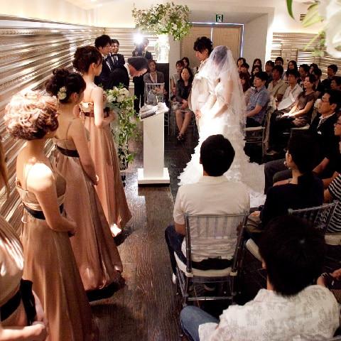 大人数を収容できる式場 厳かな結婚式